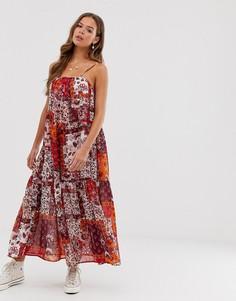 Ярусное платье макси на тонких бретельках-завязках с принтом в стиле пэчворк Neon Rose - Мульти