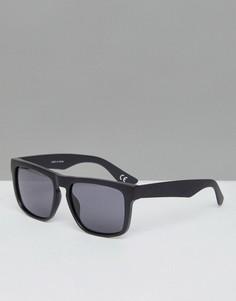Черные солнцезащитные очки в квадратной оправе Vans - Черный