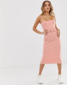 Платье миди персикового цвета в рубчик с поясом Missguided - Розовый
