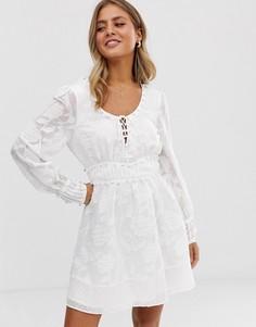 Платье с отделкой Stevie May - The Changer - Белый