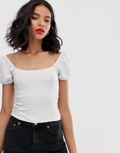 Белый топ с объемными рукавами и вышивкой ришелье Monki - Белый