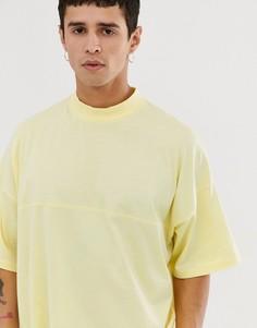 Желтая oversize-футболка с высоким воротом и отделочными швами ASOS DESIGN - Желтый