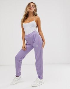 Сиреневые джоггеры с манжетами и тремя полосками adidas Originals adicolor - Фиолетовый
