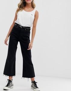Укороченные джинсы клеш Levis - Черный
