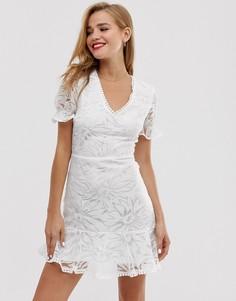 Чайное платье мини с цветочной вышивкой Parisian - Белый