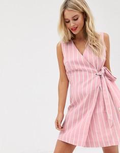 Платье с запахом в фактурную полоску Glamorous - Розовый