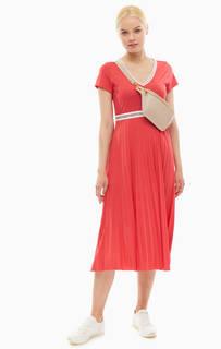 Платье цвета фуксии с плиссированной юбкой Marc Opolo