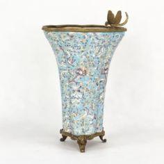 Вазы Ваза фарфоровая со стрекозой 22х22х33 см Wah luen handicraft