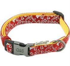 Амуниция Ошейник для собак GREAT&SMALL с принтом косточки 10х200-350мм нейлон красный