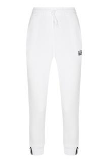 Белые брюки с заниженной линией шага Adidas