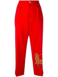 Gucci брюки с вышивкой тигра