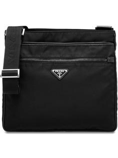 Prada сумка-мессенджер с бляшкой с логотипом