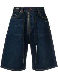 Off-White джинсовые шорты с поясом