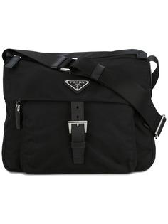 Prada сумка через плечо с бляшкой-логотипом