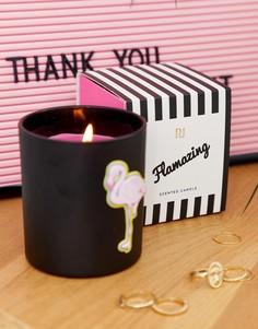 Свеча в черной емкости с изображением фламинго River Island - Розовый
