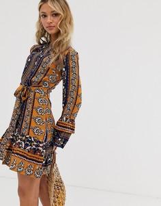 Платье с комбинированным принтом и поясом Parisian - Мульти