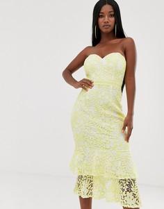 Кружевное платье миди с вырезом бандо Lipsy - Желтый