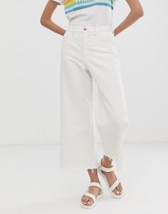 Укороченные расклешенные джинсы Wrangler - Белый
