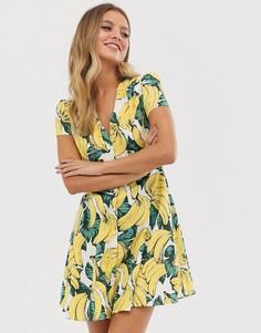 Короткое приталенное платье с принтом бананов и пуговицами Glamorous - Мульти