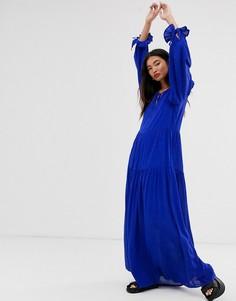 Ярусное платье макси с завязкой Selected Femme - Синий