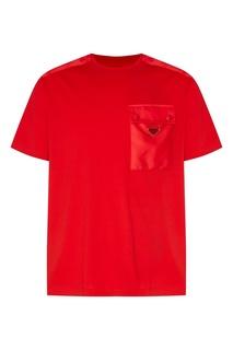 Красная футболка с карманом Prada