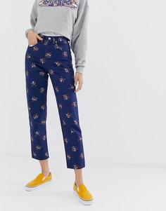 Джинсы в винтажном стиле с завышенной талией и цветочным принтом Wrangler - Синий