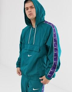 Зеленая куртка с фирменной лентой Nike - Зеленый