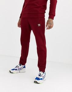 Бордовые джоггеры с вышитым логотипом adidas Originals - Красный