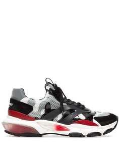 Valentino кроссовки с камуфляжным узором
