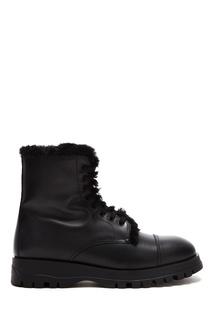 Черные ботинки с меховой отделкой Prada
