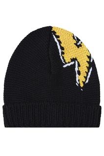 Черная шапка с ярким рисунком Prada