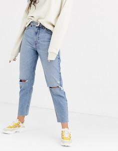 Синие джинсы в винтажном стиле с поясом Bershka - Синий