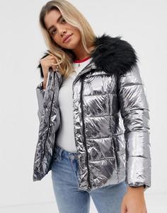 Дутая куртка с эффектом металлик и отделкой искусственным мехом Urban Bliss - Серебряный
