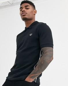 Черная футболка-поло с отделкой лентой с логотипом по бокам Fred Perry - Черный