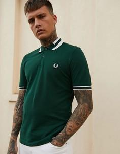 Зеленая футболка-поло с контрастным воротником Fred Perry - Зеленый