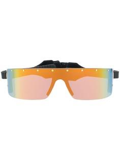 Moschino Eyewear солнцезащитные очки с ремешком