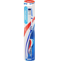 Зубная щетка Aquafresh Clean Control средняя