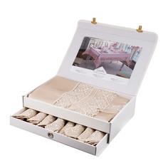 Скатерть Maison dor asmin 160х230 + 8 салфеток 45х45 в ассортименте