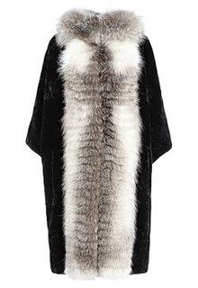 Шуба из меха мутона с отделкой чернобуркой Снежная Королева