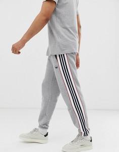 Серые джоггеры с 3 полосками adidas Originals