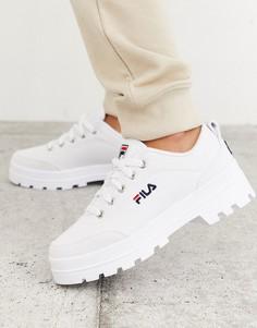 Белые парусиновые кроссовки на массивной подошве Fila Theme