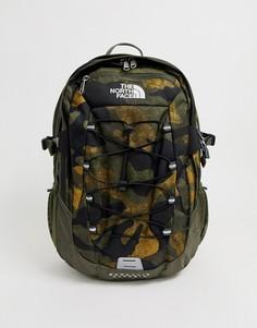 Классический рюкзак цвета хаки с камуфляжным принтом The North Face