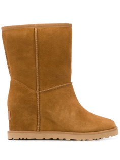 Ugg Australia snow ankle boots