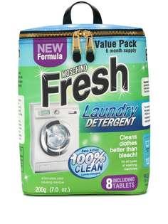 Moschino рюкзак в форме упаковки стирального порошка