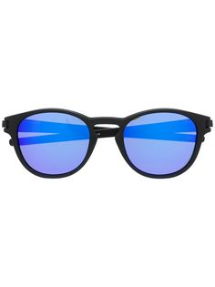 Oakley солнцезащитные очки с затемненными линзами