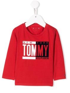 Tommy Hilfiger Junior топ с логотипом