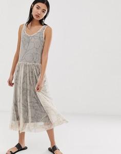Сетчатое платье миди с принтом Selected Femme-Мульти