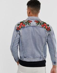 Джинсовая oversize-куртка с цветочной вышивкой и потертостями Sixth June-Синий
