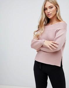 Розовый джемпер в рубчик с открытыми плечами Forever New