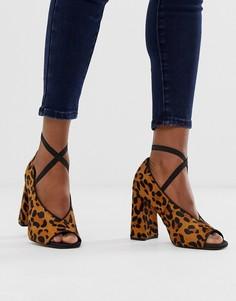 Кожаные премиум-туфли на высоком каблуке с эффектом ворса пони и леопардовым принтом ASOS DESIGN Peyton-Мульти